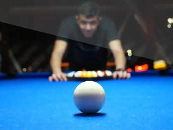 Pool tables and hire